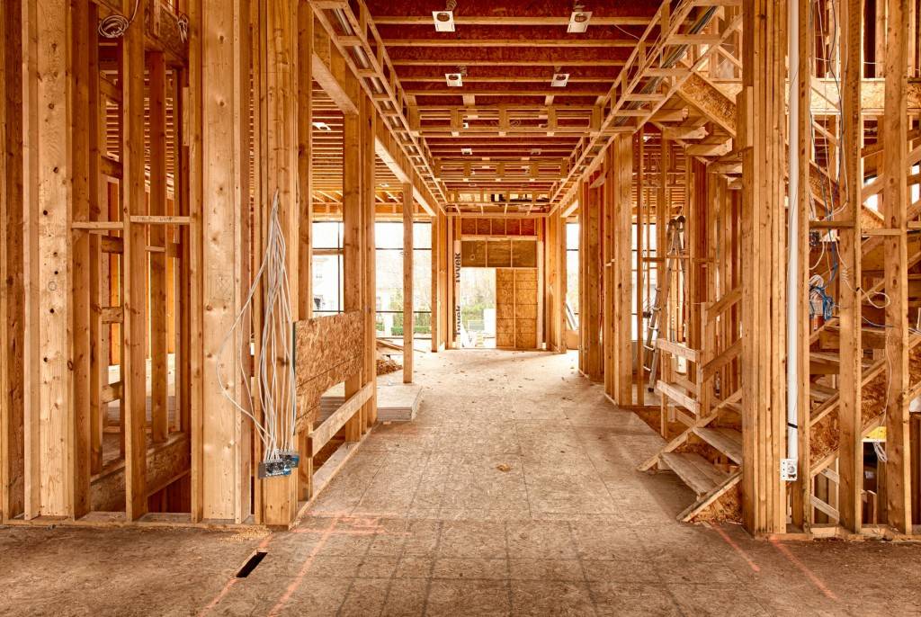 wooden-beams-construction-management
