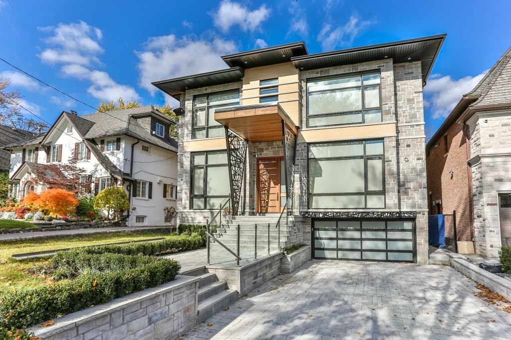 Custom Home Exterior in Toronto